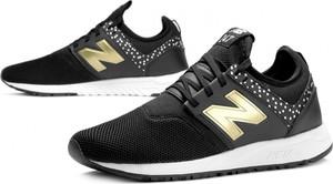 Buty sportowe New Balance na koturnie sznurowane