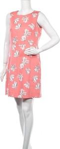 Różowa sukienka Caroll mini bez rękawów z okrągłym dekoltem