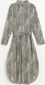 Sukienka Reserved z długim rękawem szmizjerka