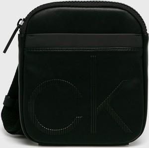 Czarna torba Calvin Klein ze skóry ekologicznej