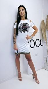 Sukienka Massiomo Contti mini z okrągłym dekoltem dopasowana