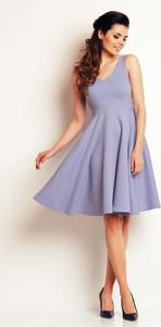 200040de05 lata 70 sukienki - stylowo i modnie z Allani