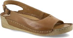 Brązowe sandały Maciejka z klamrami w stylu casual ze skóry