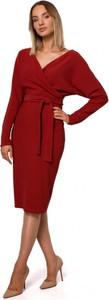 Czerwona sukienka MOE z dekoltem w kształcie litery v z długim rękawem