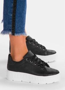 Buty sportowe deezee sznurowane w sportowym stylu z płaską podeszwą