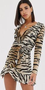 Sukienka In The Style z dekoltem w kształcie litery v
