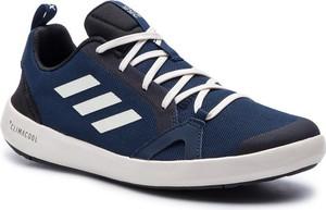 Buty sportowe Adidas w sportowym stylu terrex sznurowane