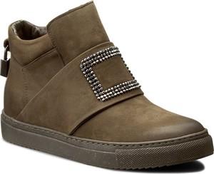 Buty sportowe Carinii w sportowym stylu