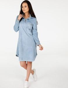 Niebieska sukienka Unisono mini z kołnierzykiem z bawełny