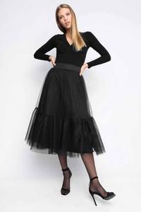 Czarna spódnica ubierzsie.com z tkaniny