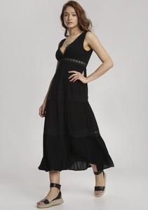 Sukienka Renee z dekoltem w kształcie litery v maxi na ramiączkach
