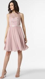 Różowa sukienka Luxuar Fashion bez rękawów z szyfonu z okrągłym dekoltem