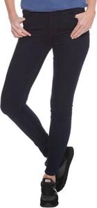 Czarne jeansy Tommy Hilfiger w street stylu z jeansu