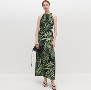 Sukienka Reserved z okrągłym dekoltem maxi w stylu casual