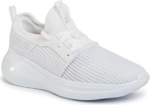 Buty sportowe Skechers sznurowane ze skóry ekologicznej