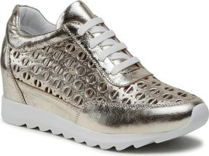 Srebrne buty sportowe Badura sznurowane ze skóry w sportowym stylu