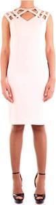 Różowa sukienka Fabiana Ferri bez rękawów