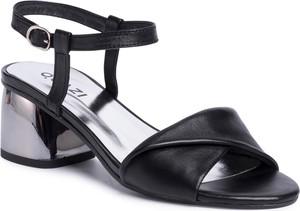 Czarne sandały Quazi z klamrami ze skóry