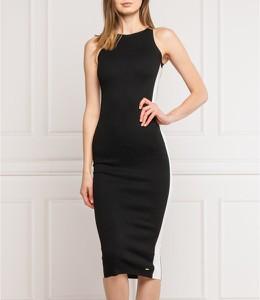 Czarna sukienka Superdry