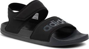 Sandały Adidas z płaską podeszwą