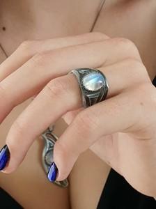 Venus Galeria Magiczny pierścionek z kamieniem księżycowym