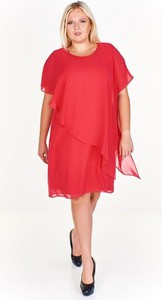 Czerwona sukienka Fokus w stylu casual asymetryczna midi