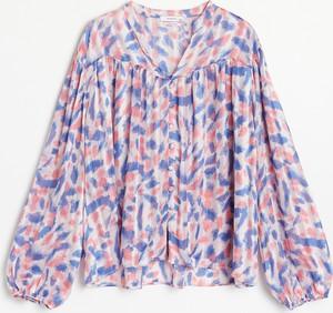 Bluzka Reserved z długim rękawem z dekoltem w kształcie litery v