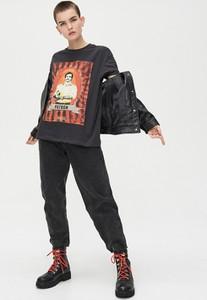 T-shirt Cropp z krótkim rękawem z okrągłym dekoltem z nadrukiem