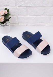Granatowe klapki Yourshoes z płaską podeszwą ze skóry ekologicznej