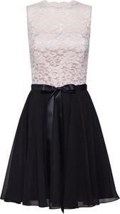Sukienka Swing bez rękawów z okrągłym dekoltem rozkloszowana