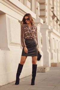 Czarna spódnica Fasardi z tkaniny
