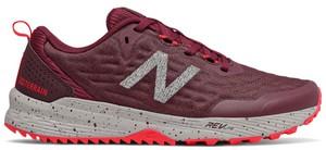 Czerwone buty sportowe New Balance z płaską podeszwą