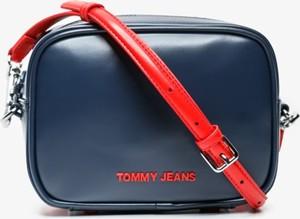 Torebka Tommy Hilfiger matowa na ramię