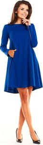 Niebieska sukienka Awama mini z długim rękawem z tkaniny