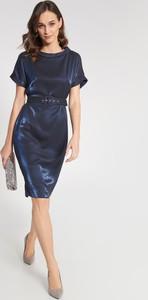 Granatowa sukienka QUIOSQUE z krótkim rękawem