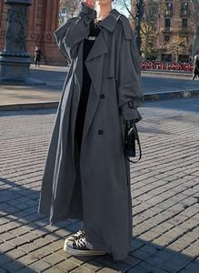 Czarny płaszcz Arilook