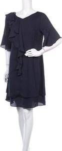 Sukienka Alba Moda z okrągłym dekoltem