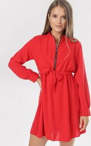Czerwona sukienka born2be z długim rękawem trapezowa mini