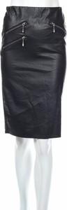 Czarna spódnica Kappahl midi ze skóry w rockowym stylu