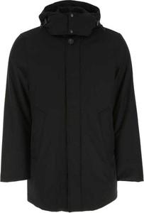Czarna kurtka Woolrich długa w stylu casual