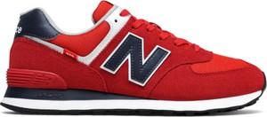 Czerwone buty sportowe New Balance w sportowym stylu