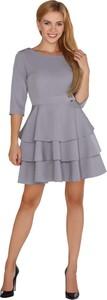 Sukienka MERRIBEL midi z długim rękawem z okrągłym dekoltem