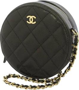 Czarna torebka Chanel matowa na ramię