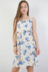 Sukienka Olika bez rękawów w stylu casual z okrągłym dekoltem