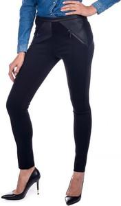 Czarne spodnie Guess w rockowym stylu