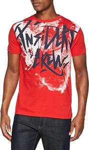 Czerwony t-shirt amazon.de z krótkim rękawem
