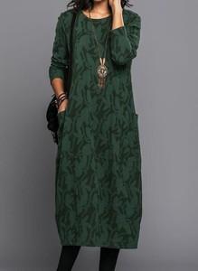 Zielona sukienka Cikelly z okrągłym dekoltem w stylu casual z długim rękawem