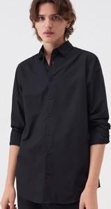 Czarna koszula Sinsay w stylu casual z klasycznym kołnierzykiem