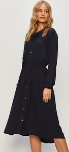 Sukienka Only z długim rękawem w stylu casual
