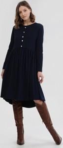 Czarna sukienka born2be midi z długim rękawem